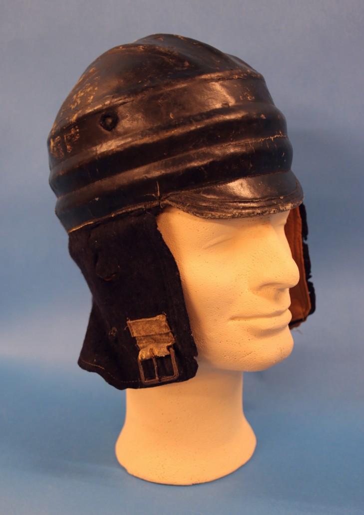Järvisen ranskalaisissa lentokouluissa käyttämä kypärä on tullut museolle Järvisen perikunnalta vuonna 2003