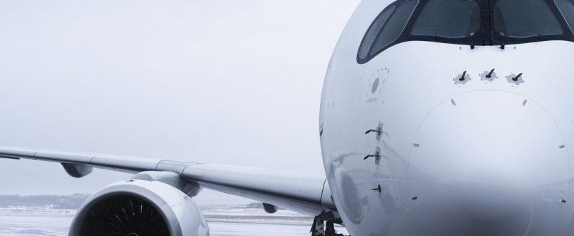 Finnairin uusi Airbus A350 -matkustajakone lentää Kaivopuiston lentonäytöksessä